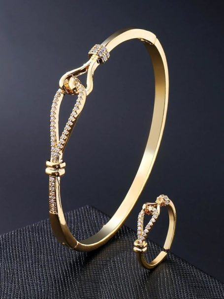 bracelets-jewelled-knot-bangle-and-open-ring-set-in-18k-gold-1