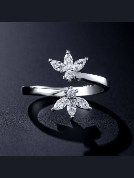 rings-crystal-flowers-open-ring-in-white-gold-1